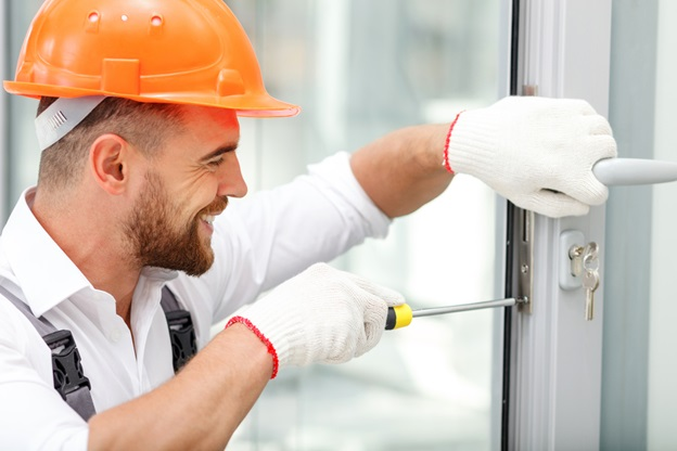 Top 7 Reasons to Call Professional Locksmiths