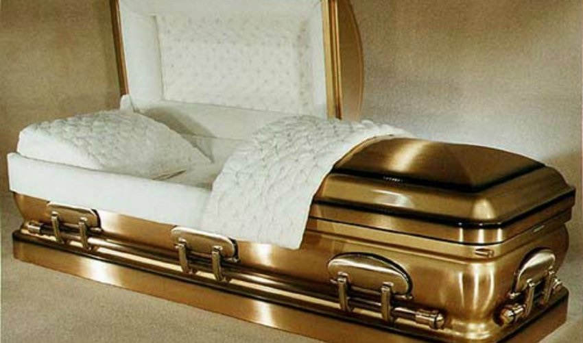 Is a Cremation or Casket Service Better?