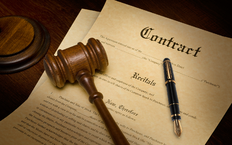 What You Need to Know About Contract Lawyers