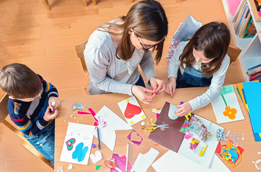 What arts and crafts can children do at home?