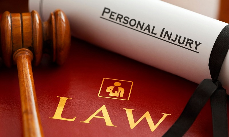 Factors to consider before choosing a personal injury lawyer