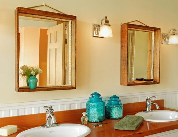 The Advantages of Framed Bathroom Mirrors