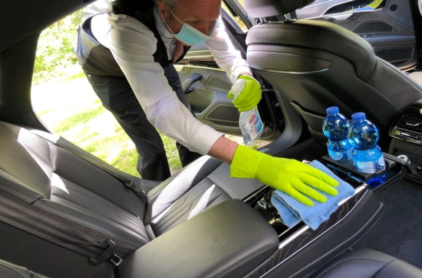 Importance of Providing Hand Sanitizer and disinfection wipes to all limousine Passengers