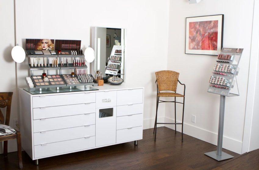 Bring Professional Makeup Studio at Home