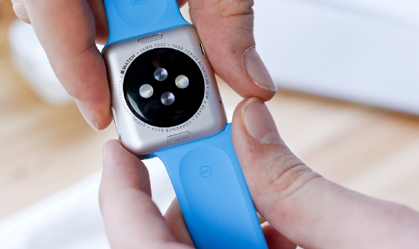 How to change the strap of the Apple Watch
