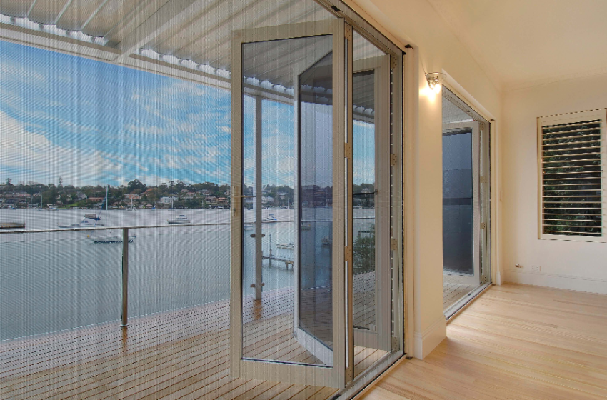 A Few Good Reasons to Choose Retractable Fly Screens