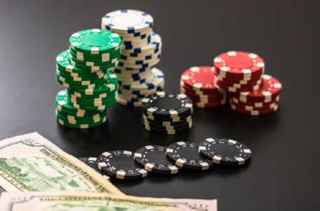 Do online casinos offer a variety of games?