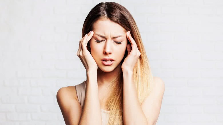 How is migraine differentiated from the usual headache?