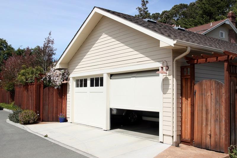 Tips to Choosing a Garage Door Installation Company in Studio City!