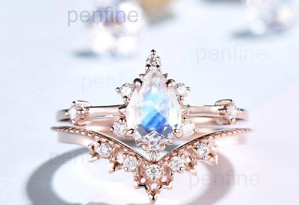 Moonstone Rings: The Perfect Gift For Your Loved Ones