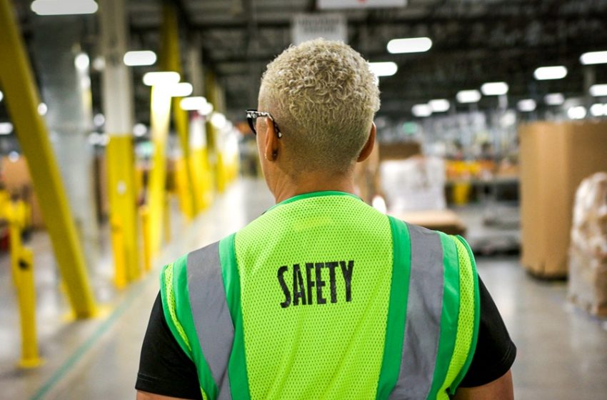 Tips on Choosing the Right Safety Vest for your Job