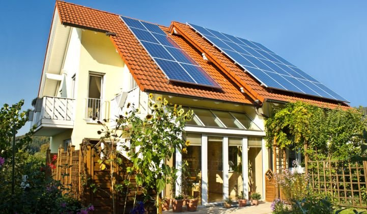 How to Tell If Your Solar Panels Are Working Properly