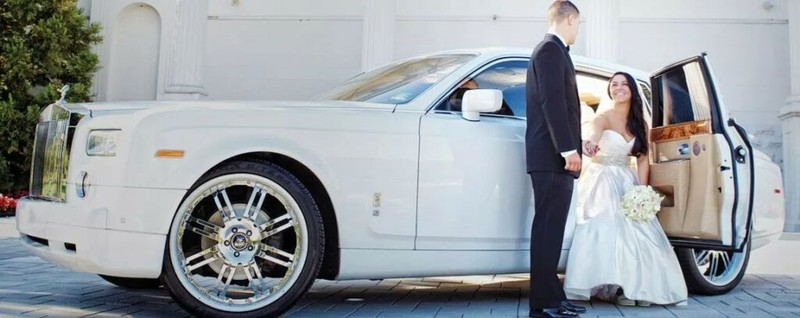 What Can Be Expected In A Wedding Mississauga Limo Service Package?